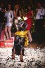 Портрет собаки на вечеринке — стоковое фото