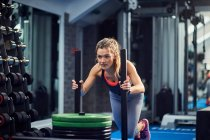 Young woman training — Stock Photo