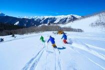 Men skiing down — Stock Photo