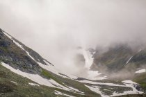View of low cloud and snowy valley, Ural mountains, Russia — Stock Photo