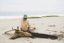 Australian surfer with surfboard, Bacocho, Puerto Escondido, Mexico — Stock Photo