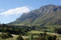 Paysage de collines rocheuses — Photo de stock