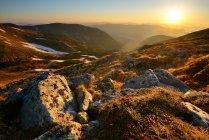 Canto de Chornogora paisaje, montañas de los Cárpatos, Ivano-Frankovsk región, Ucrania - foto de stock