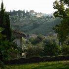 Mansion overlooking rural landscape — Stock Photo