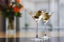 Lunettes Martini aux olives — Photo de stock