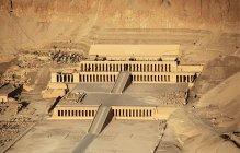 Вид на храм Хатшепсут — стокове фото