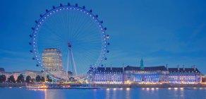 Vue panoramique du London eye, la nuit, Londres, Royaume-Uni — Photo de stock