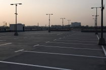 Empty parking lot during sunset — Stock Photo
