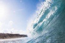 Gran ola oceánica - foto de stock