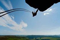 Скала альпинист масштабирования скальное образование — стоковое фото