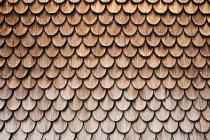 Blick auf hölzerne Dachziegel Textur — Stockfoto