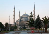 Blue Mosque at dawn — Stock Photo