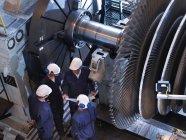 Высокий угол обзора группы инженеров — стоковое фото