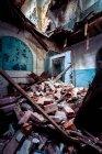 Detriti e decaduto interno del sanatorio Teupitz — Foto stock