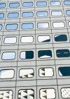 Reflet dans la façade du bâtiment moderne — Photo de stock