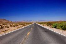 Route pavée de paysage — Photo de stock