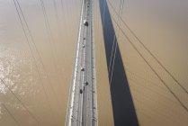 Vista aérea del camino en puente de Humber, Reino Unido - foto de stock