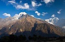 Montagne rocciose nel paesaggio — Foto stock