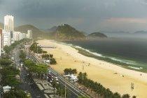 Copacabana beach and storm clouds, Rio De Janeiro, Brazil — Stock Photo