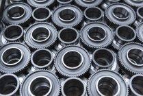 Ruote dentate in acciaio nella produzione — Foto stock