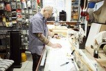 Гітара Maker вимір дизайн план на креслярської таблиці — стокове фото