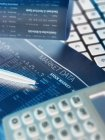 Financial services, viewing financial markets for investing — Stock Photo