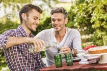 Двоє друзів - чоловіків п