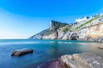 Forte di mare e scogliera a Porto Venere — Foto stock