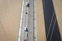 Vista aérea del camino en puente de la suspensión. El Humber Bridge, Reino Unido - foto de stock