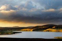 Veidivotn lake and hills in sunlight, Iceland — Stock Photo