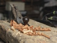 Close-up de aparas e shaver madeira — Fotografia de Stock