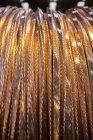 Close up tiro de cabos matel no tambor — Fotografia de Stock