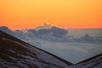 Nascer do sol sobre as nuvens — Fotografia de Stock