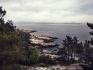 Coperto il paesaggio costiero, Norvegia — Foto stock