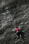 Paroi rocheuse grimpeur escalade rock — Photo de stock