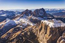 Горный пейзаж, Доломиты, Италия взяты из вертолета — стоковое фото