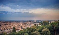 Далеких вид на Рим і St Паулс, Лаціо, Італія — стокове фото