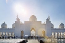 Sheikh Zayed Mosque dans la journée, Abu Dhabi, United Arab Emirates — Photo de stock