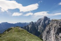 View from BASE jumping spot to cliffs on other side of the valley, Col di Pra, Italian Alps, Alleghe, Belluno, Italy — Stock Photo
