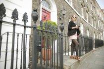 Donna d'affari in viaggio per lavoro, Londra — Foto stock