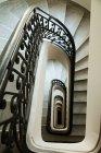 Лестница в Паласио Бароло, Буэнос-Айрес, Аргентина — стоковое фото
