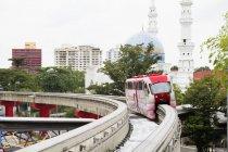 Blick auf den Zug auf der Schwebebahn, Kuala Lumpur, Malaysia — Stockfoto