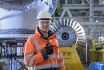 Portrait du chef de station dans une centrale au gaz — Photo de stock