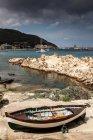 Рыболовецкие суда вблизи Марчиана-Марина — стоковое фото