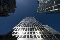 Blick auf Bürohochhäuser — Stockfoto