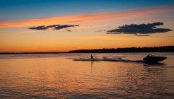 Ski nautique homme, Lulea, Laponie, Suède — Photo de stock