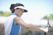 Портрет теннисистка нарезки — стоковое фото
