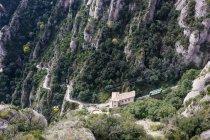 Coche de cable en forma de Monasterio de Santa María de Montserrat - foto de stock