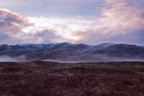 Loch Tulla madrugada perto de Glen Coe na Escócia — Fotografia de Stock