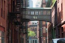 Skywalk zwischen Gebäuden in Tribeca, New York — Stockfoto